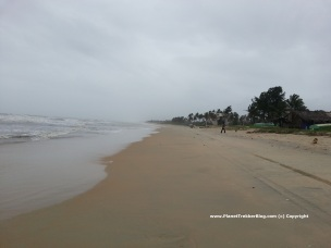 Benaulim beach during monsoon - There are not shacks to be seen