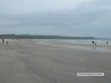 Mobor beach - The sand is dark in color. The beach though is very dean