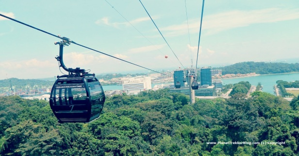 Cable car drive to Sentosa 2