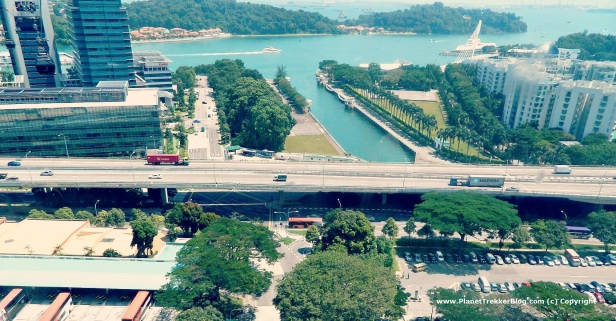Cable car drive to Sentosa 4