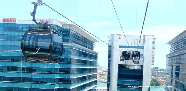 Cable car drive to Sentosa 6