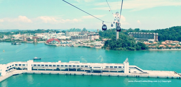 Cable car drive to Sentosa 8
