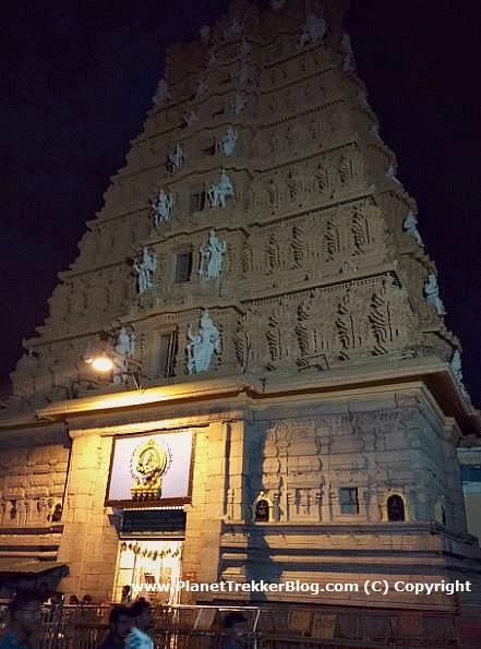 chamundi-temple2
